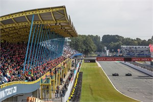 Adembenemende autosport in MAXX Formula