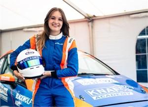 Jong vrouwelijk talent in Ford Fiesta Sprint Cup