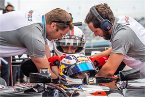 F1 en Kjeld Nuis in de baan